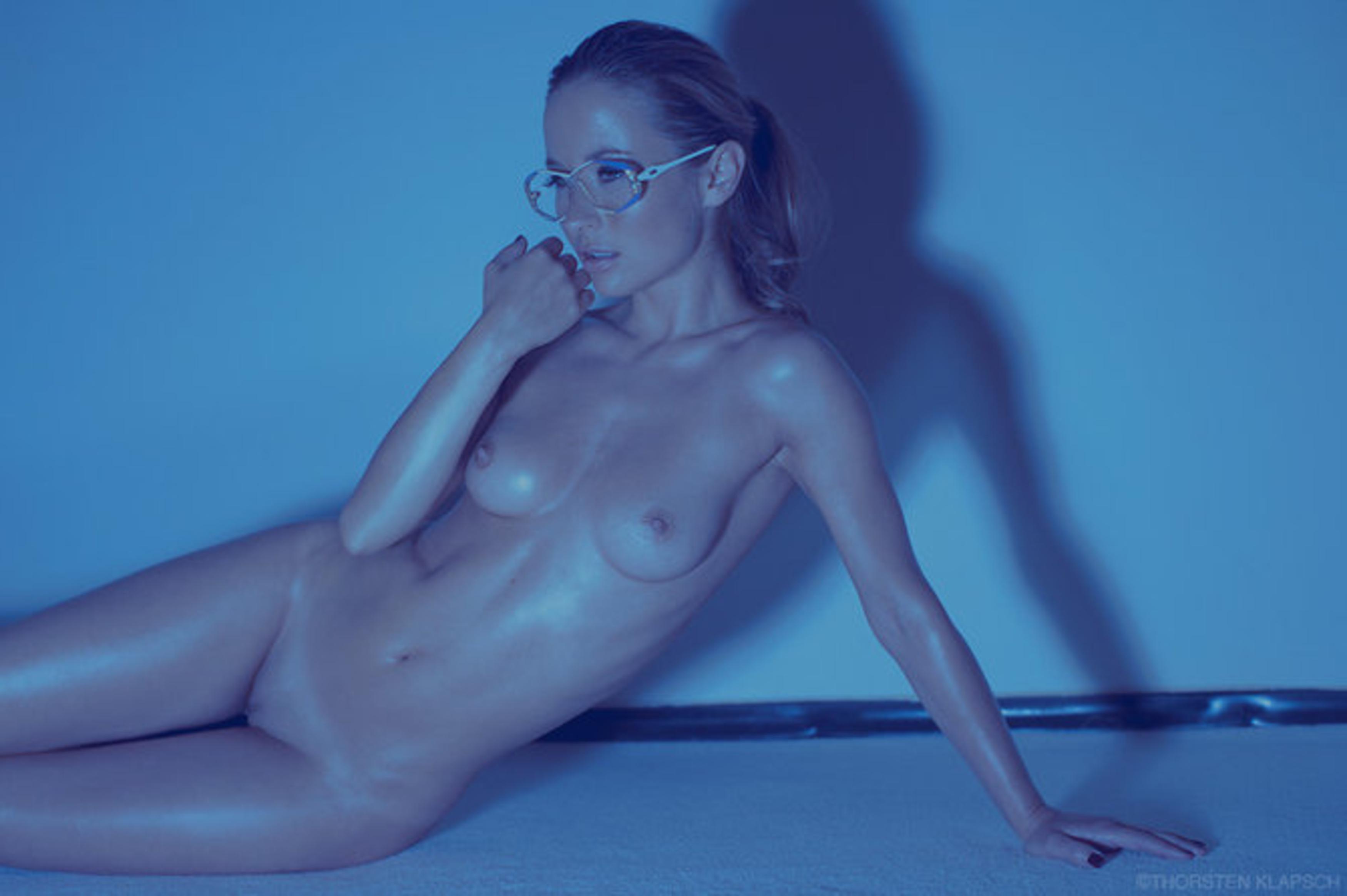 Эротика красивых девушек в очках 9 фотография