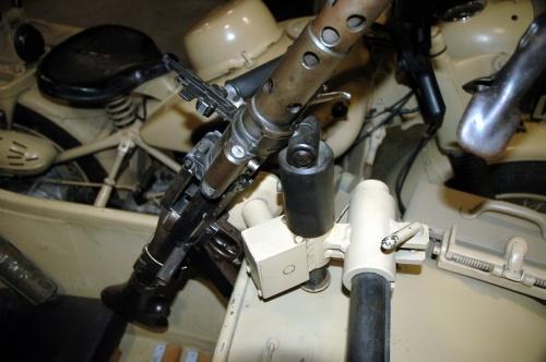 Фотообзор - немецкий мотоцикл BMW R75 (35 фото)