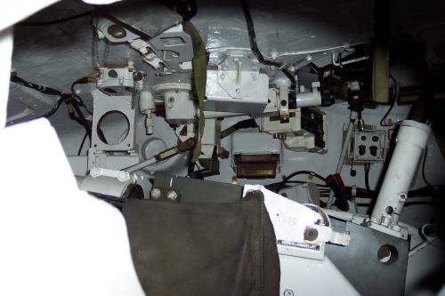 Фотообзор - французский основной танк AMX-30B2 (75 фото)
