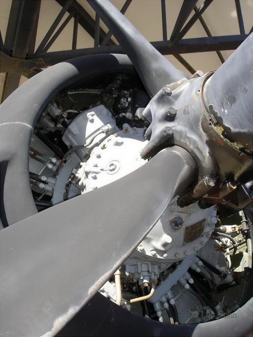 Фотообзор - американский палубный истребитель F4U-5NL (122189) Corsair (51 фото)