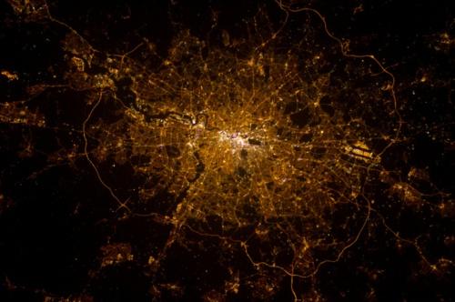 Ночные снимки Земли из космоса (101 фото)