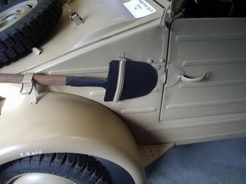 Фотообзор - немецккий автомобиль Volkswagen Kubel Type 82 (44 фото)