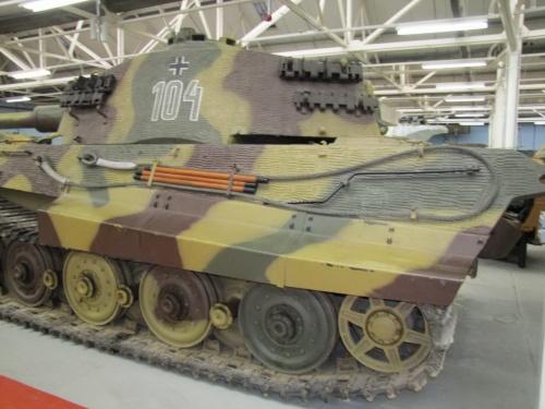 Фотообзор - немецкий тяжелый танк Pz.Kpfw.VI Ausf.B Tiger II (58 фото)