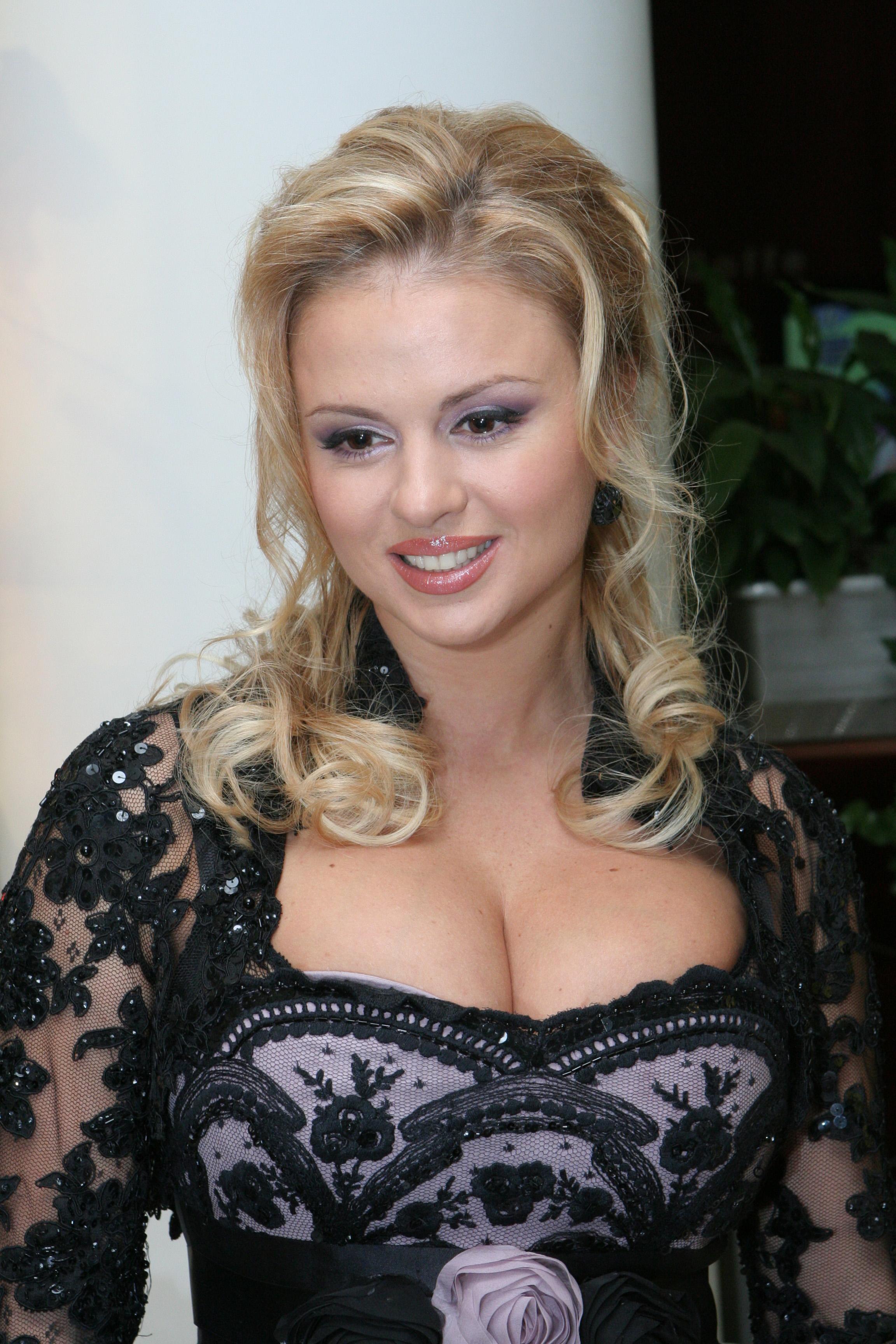 Российские знаменитости с большой грудью 16 фотография