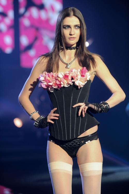 Etam Lingerie Fashion Show Photoshoot 2013 (61 фото)