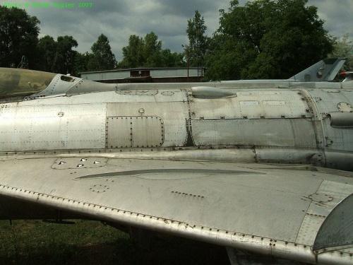 Фотообзор - советский истребитель МИГ-19С (35 фото)