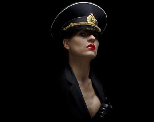 Бодиарт фото девушек в военной униформы