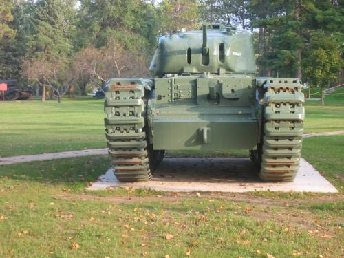 Фотообзор - английский пехотный танк Churchill Mk1 Walk Around (38 фото)