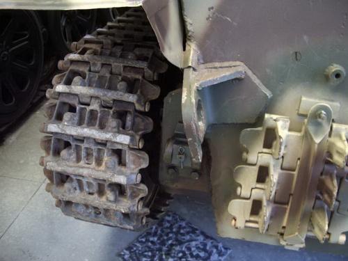 Фотообзор - немецкая противотанковая САУ Jagdpanzer 38 Hetzer (76 фото)