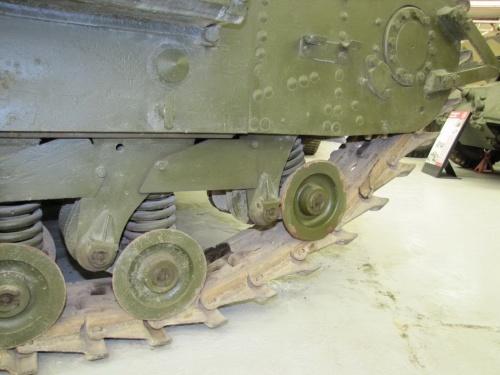 Фотообзор - британский тяжелый танк Churchill Mk.III AVRE (29 фото)