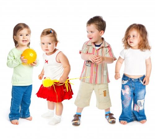 Растровый клипарт - Дети на белом фоне (9 фото)