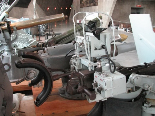 Фотообзор - швейцарская 20-мм автоматическая зенитная пушка образца 1934 Oerlikon 20mm (22 фото)