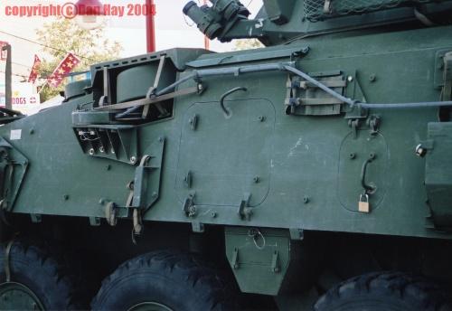Фотообзор - канадский бронетранспортер LAV-III (242 фото)