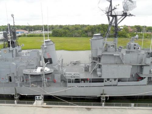 Фотообзор - американский эсминец USS Laffey (27 фото)