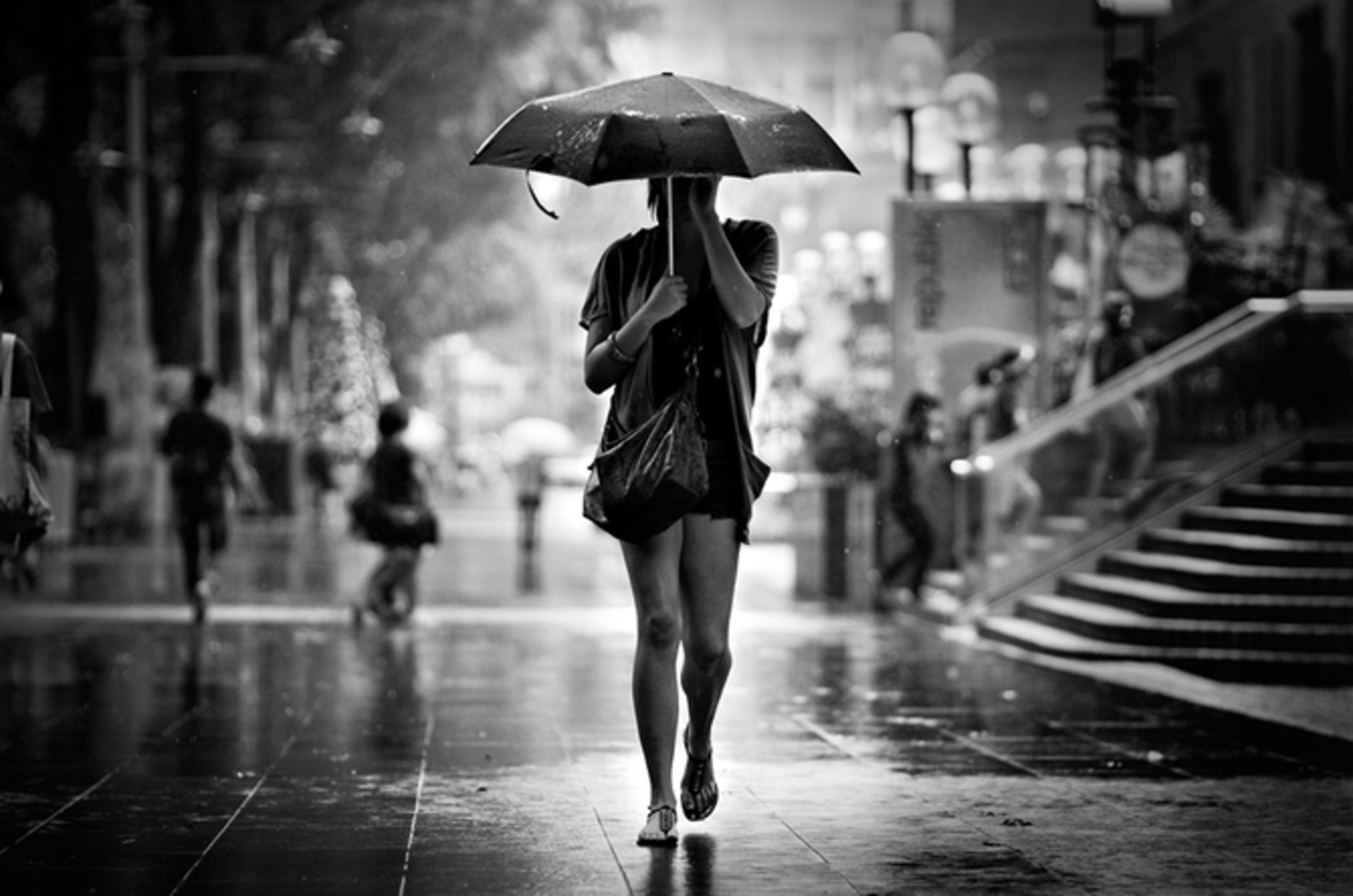 Фото золотой женский дождь 16 фотография