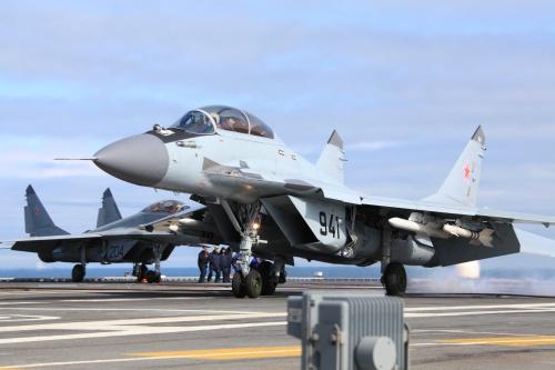 Палубный учебно-боевой истребитель МиГ-29КУБ (9 фото)