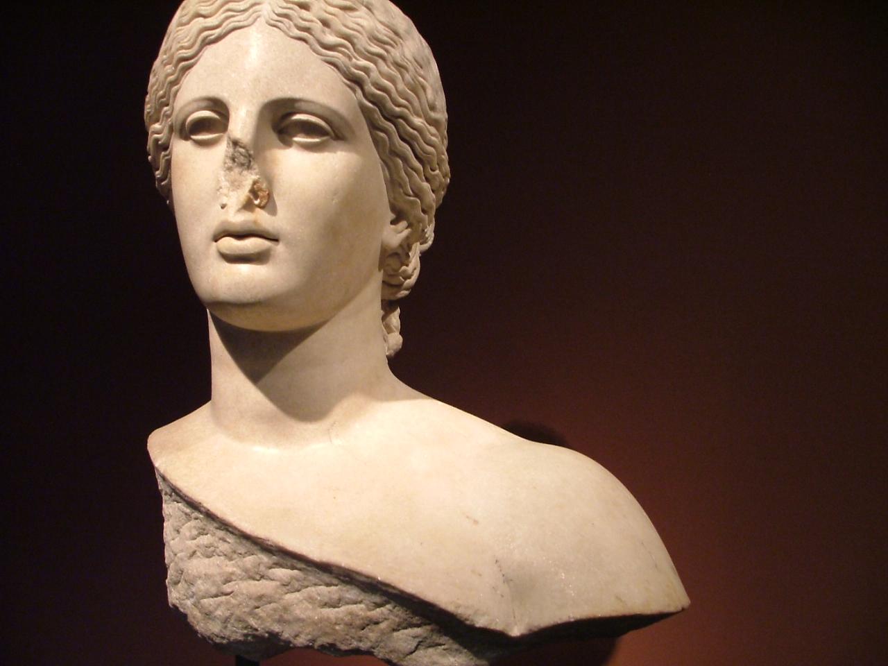Греческий нос прически фото