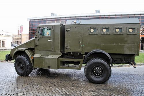 Взрывозащищенный бронированный спецавтомобиль Горец-К (23 фото)