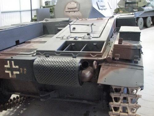 Фотообзор - немецкий легкий танк Pz.Kpfw.II Ausf.F (22 фото)
