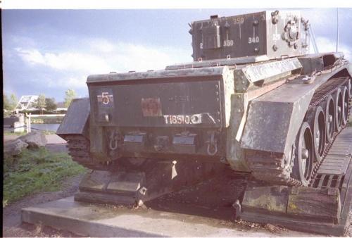 Фотообзор - британский крейсерский танк Mk.VIII Centaur C.S. Mk. IV (24 фото)