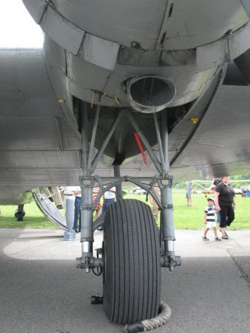 Фотообзор - американский военно транспортный самолет Фотообзор Douglas DC-3 ( C-47 Skytrain ) (57 фото)