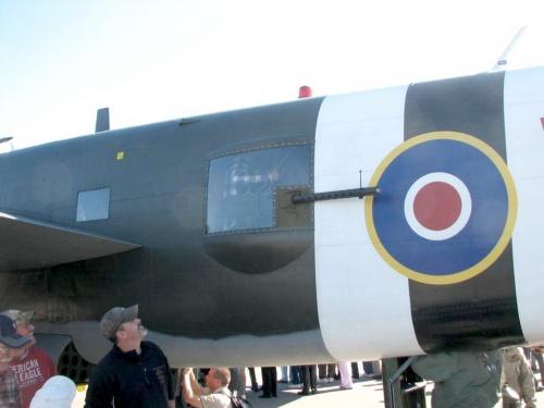 Фотообзор - американский средний бомбардировщик B-25J Mitchell (31 фото)