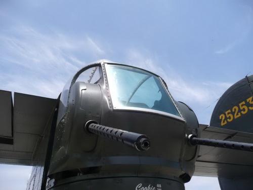 Фотообзор - американский тяжелый бомбардировщик Consolidated B-24J Liberator (313 фото)