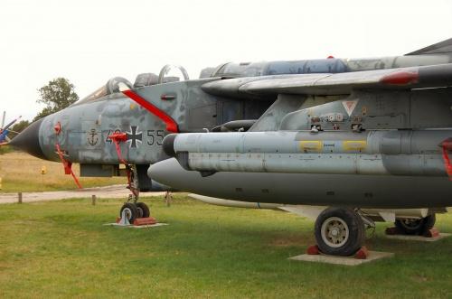 Фотообзор - европейский истребитель - бомбардировщик Panavia 200 Tornado IDS (43+55) (44 фото)