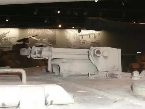 Фотообзор - немецкий средний танк PzKpfw V Panther II (52 фото)