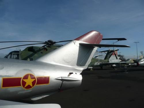Фотообзор - советский истребитель-перехватчик МИГ-17ПФ (95 фото)