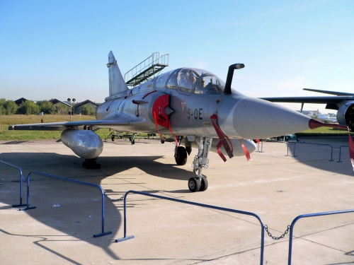 Фотообзор - французский истребитель Mirage 2000 (53 фото)