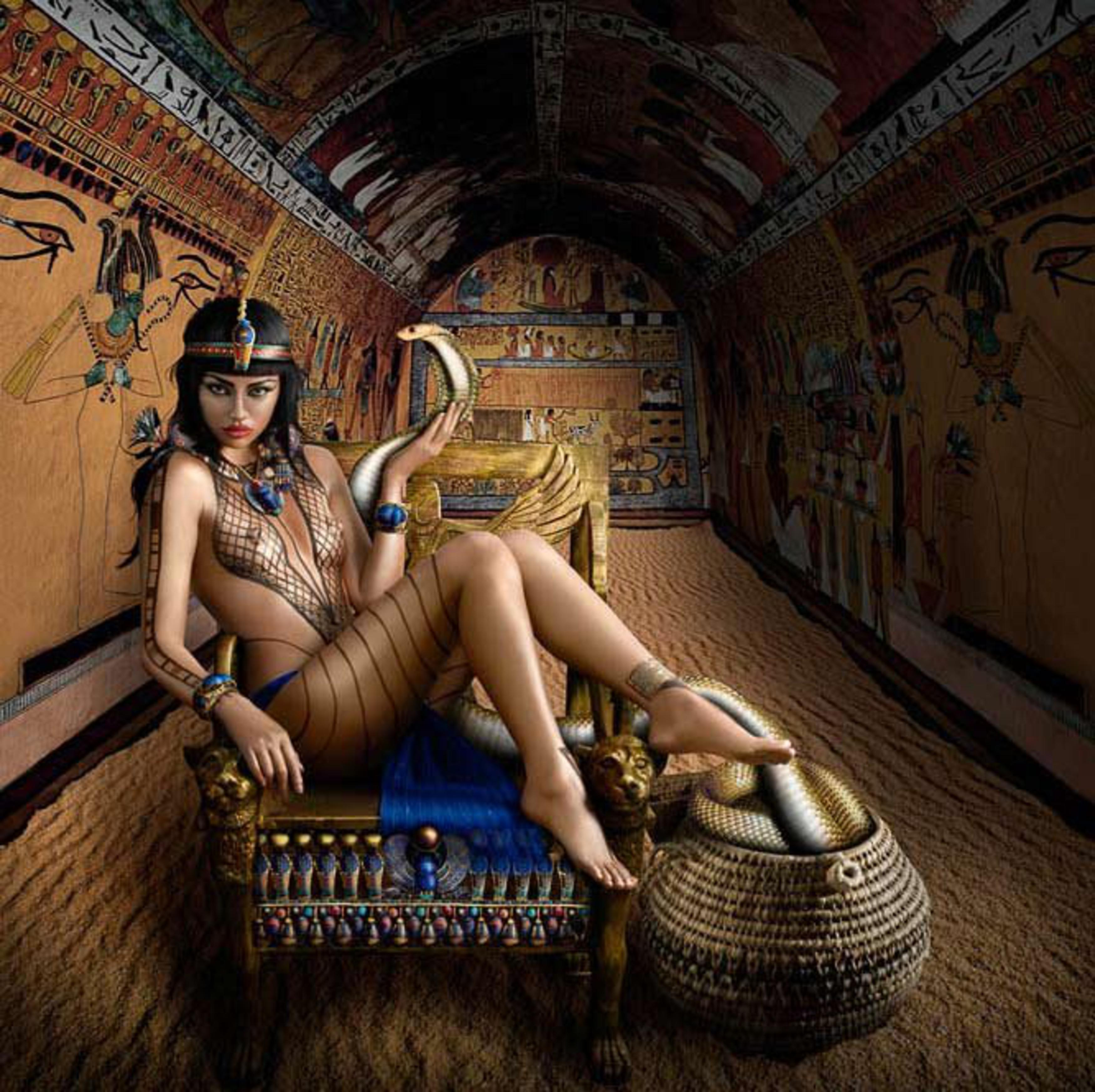 Naked egyptians