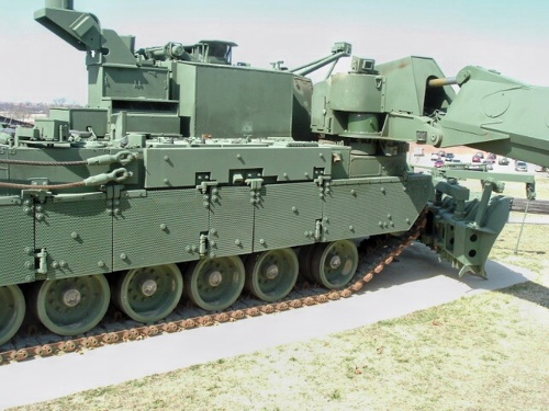 Фотообзор - американская бронированная инженерная машина M1 Grizzly (85 фото)
