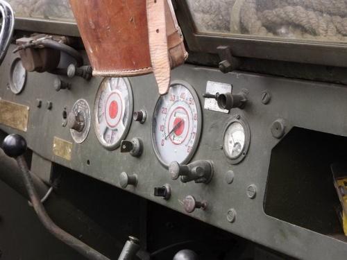 Фотообзор - американский бронетранспортер M2A-1M3 (44 фото)