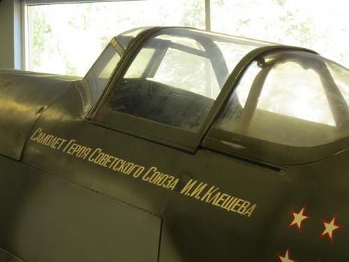 Фотообзор - советский истребитель ЯК-9 (70 фото)