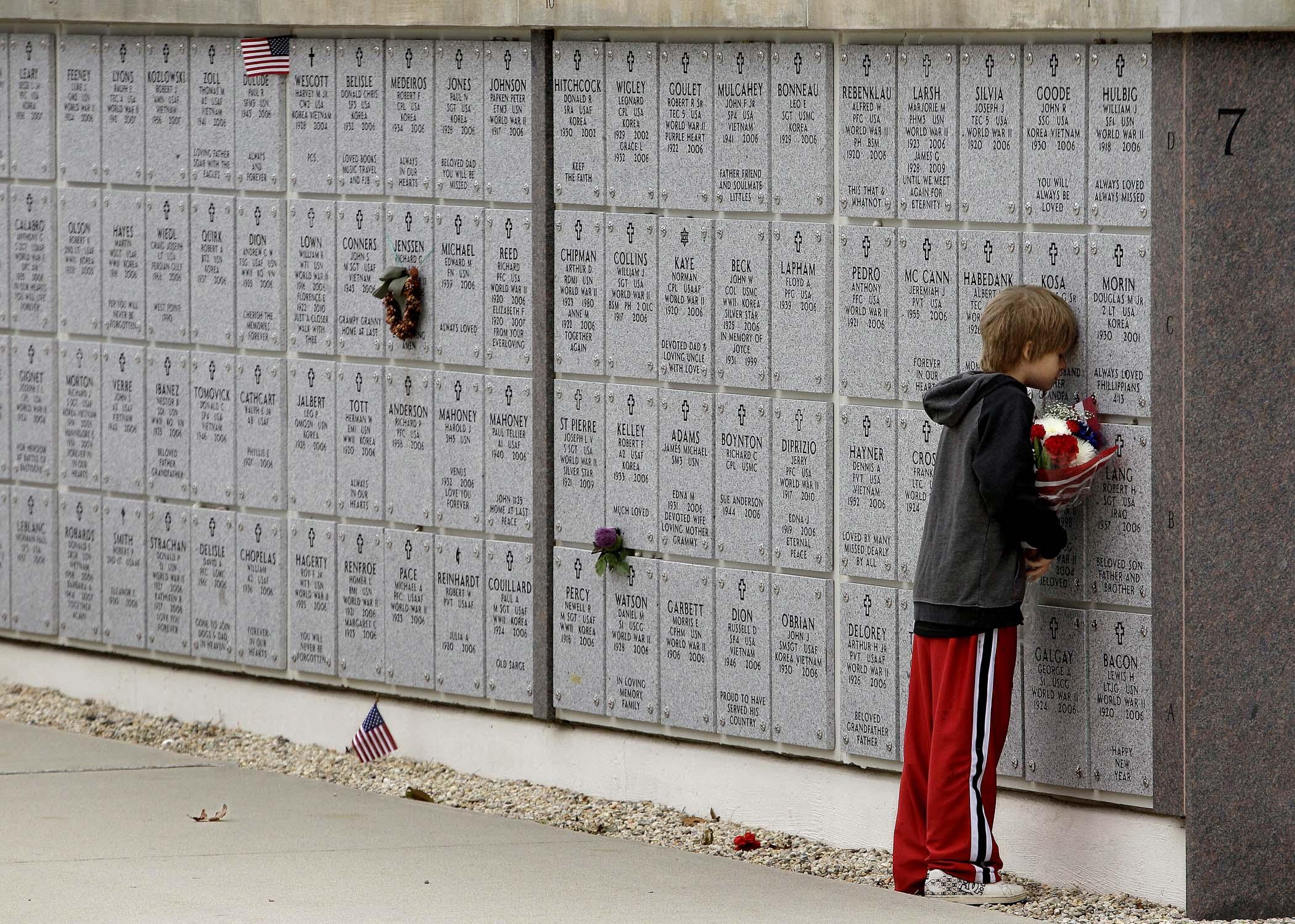 Серьёзные стихи о войне до слез 23 фотография