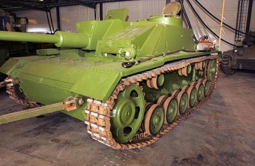 Фотообзор - немецкое штурмовое орудие StuG III (40 фото)