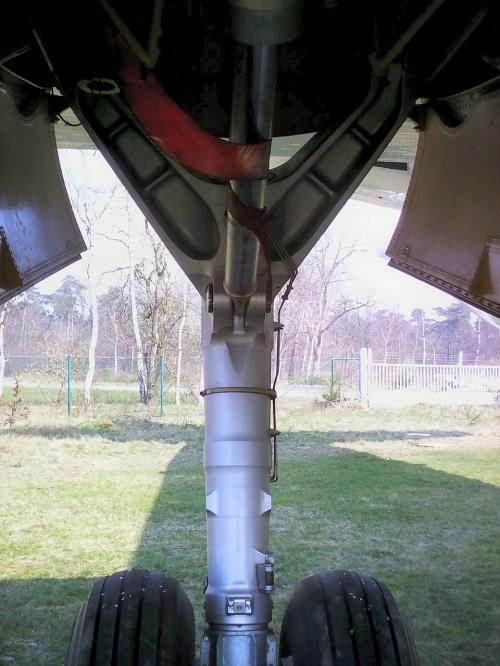 Фотообзор - французский противолодочный самолет Breguet Atlantic Br1150 (77 фото)