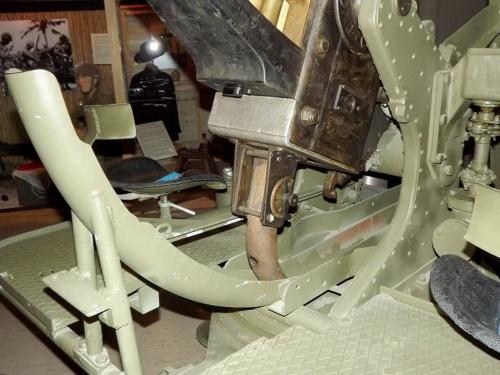 Фотообзор - британская зенитная пушка Bofors 40mm (26 фото)