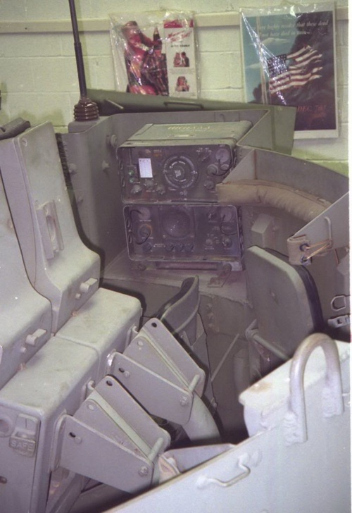 Фотообзор - американская зенитная САУ Twin 40mm GMC M19 (30 фото)