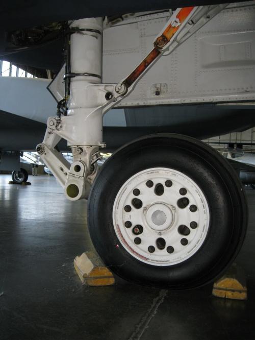 Фотообзор - американский экспериментальный истребитель Northrop YF-23 Black Widow II (52 фото)