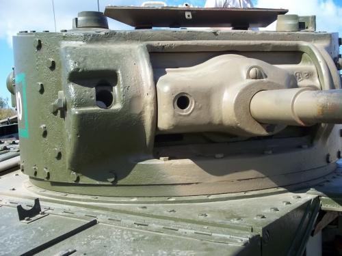 Фотообзор - британский пехотный танк Mk. III Valentine V (27 фото)
