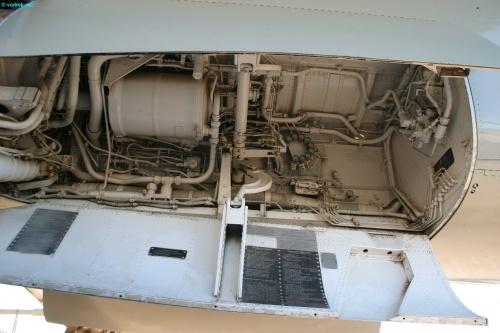 Фотообзор - американский палубный штурмовик A-7D Corsair II (79 фото)