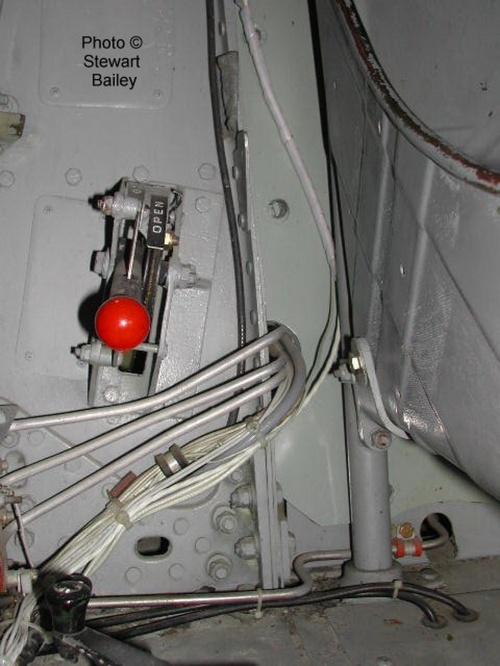 Фотообзор - американский истребитель Bell P-39Q Airacobra (108 фото)