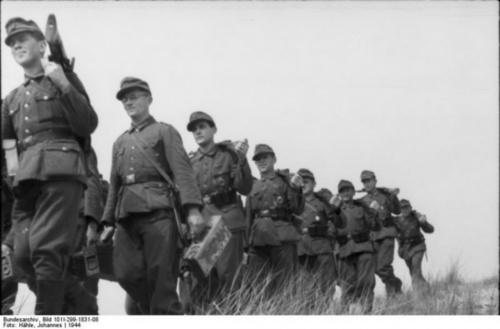 Фотографии из немецкого федерального архива часть 65 (105 фото)