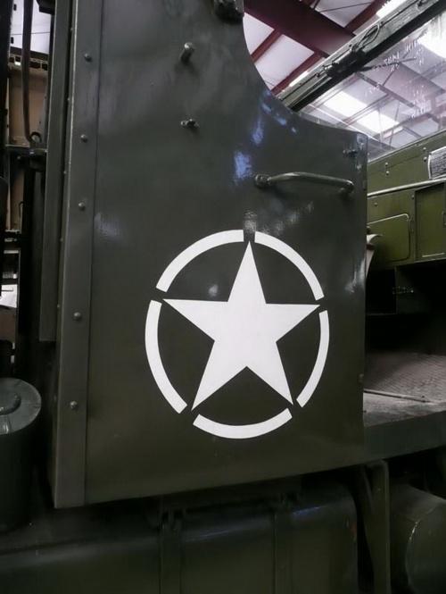 Американский армейски грузовик Mack NO 7.5 tons (183 обоев)
