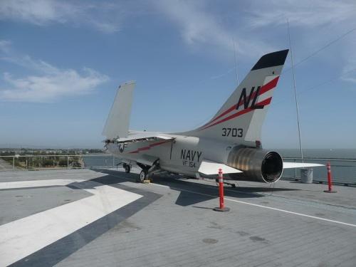 Американский палубный истребитель Vought F-8A Crusader (72 обоев)