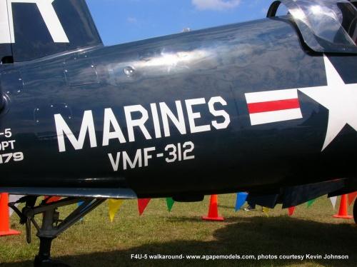 Американский палубный истребитель F4U-5 Corsair (45 фото)
