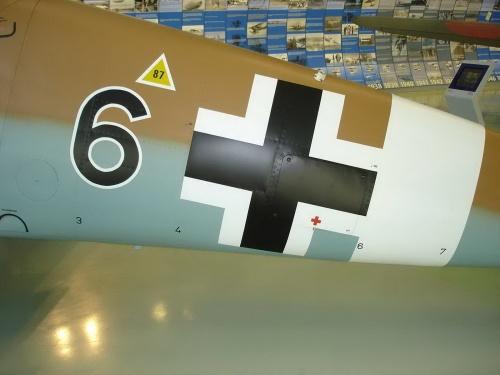 Немецкий истребитель Bf 109 G-2 (25 обоев)