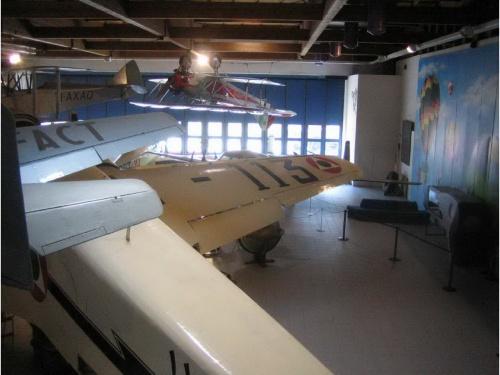 Итальянский средний бомбардировщик Savoia-Marchetti SM-79 Sparviero (74 фото)